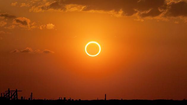 Eclissi solare del 20 Marzo con l'equinozio di primavera (filmato consigli per vedere il Sole Nero)