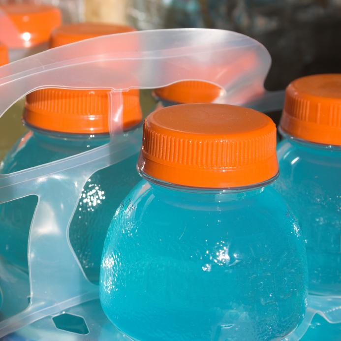 Parents believe some sugary drinks are healthy choices for kids. http://t.co/cobpC9O0Rv http://t.co/OHzb2zRjyR
