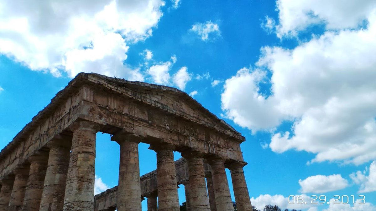 #authenticsicily RT @jeannewmanglock: What about SIcily Greek Temple Segesta? Less crowded and amazing food #TWchats