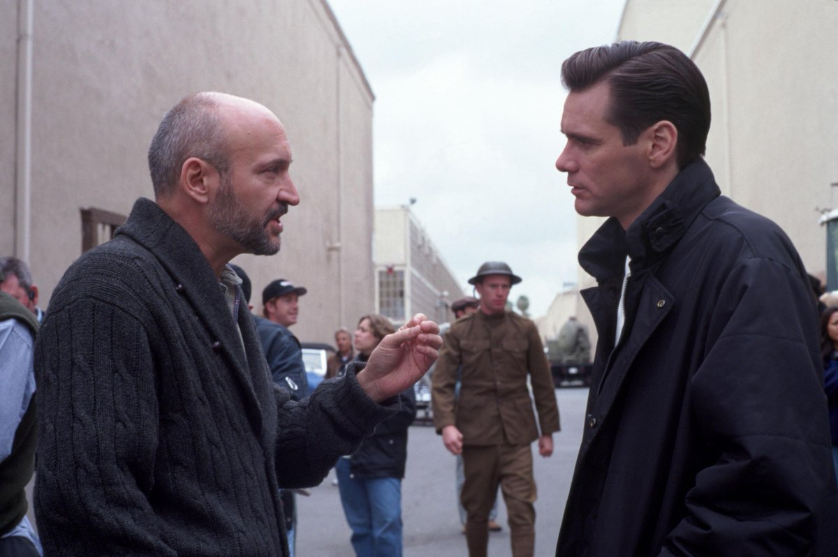 #FrankDarabont and @JimCarrey on #TheMajestic set. Get the Frank Darabont Collection TODAY! http://bit.ly/FDCollectionpic.twitter.com/ekqNOh5Fav
