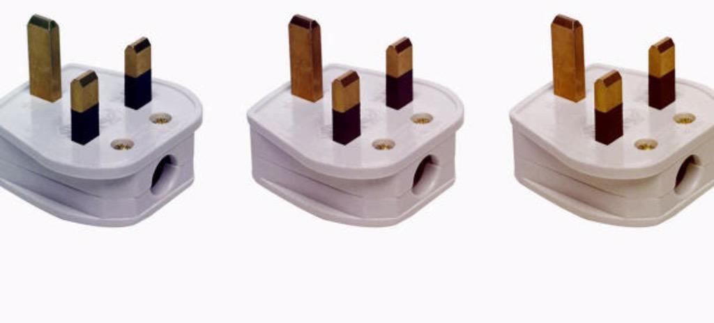 Why Britain Has The Best Wall Sockets On Earth: http://t.co/0ZScwJ8FHm http://t.co/4I2tFF7fhR