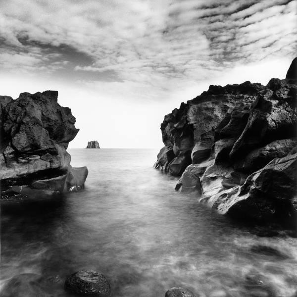 Aveva occhi di mare muraglie d'acqua e scogli  @cristinabove #UniversoVersi http://t.co/FDh3BzogZa