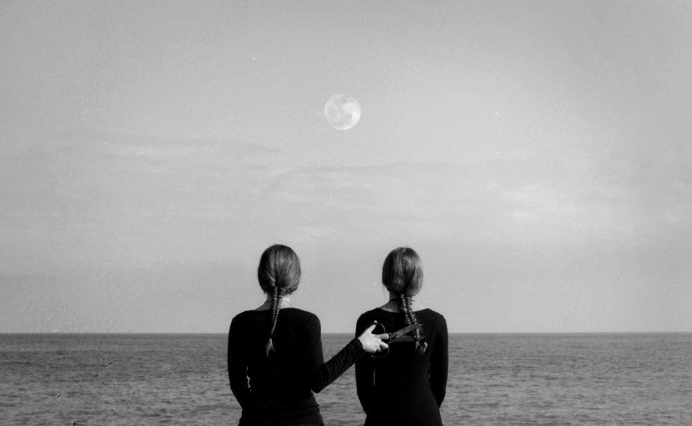 l'abisso dei perduti smessi di se di ma di non di forse e quando  @cristinabove #UniversoVersi http://t.co/dMwukxoUI9