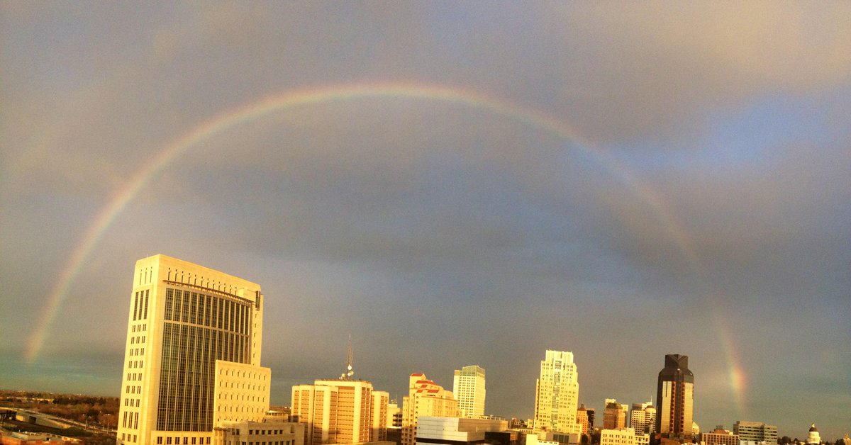 Full #rainbow over downtown #Sacramento around 7pm. http://t.co/iWTDLfvPJw