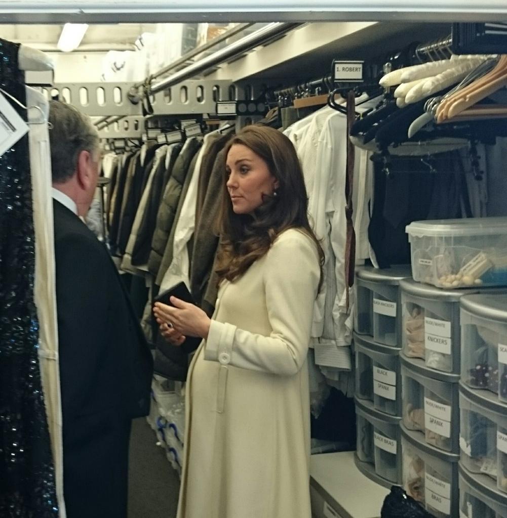 Duchess Kate takes royal magic to 'Downton'