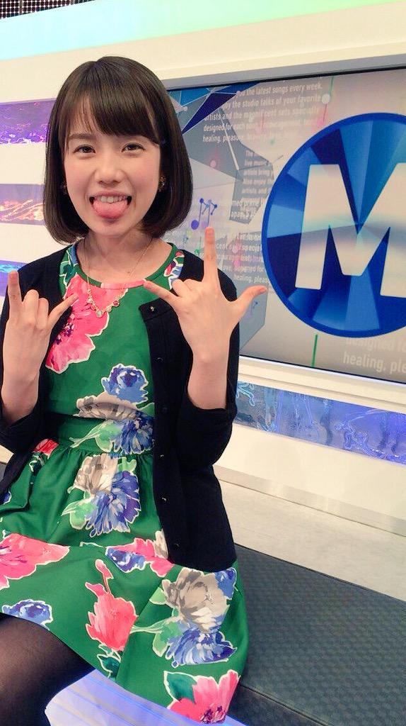 明日のMステは初登場3組を含む8組10曲!VTR企画なし!歌のみ!1時間ぎゅうぎゅうに詰めました…!AKB48/KAT―TUN/きゃりーぱみゅぱみゅ/クマムシ/サザンオールスターズ/SEKAI NO OWARI/chay/Flower http://t.co/rPWzSlJIll