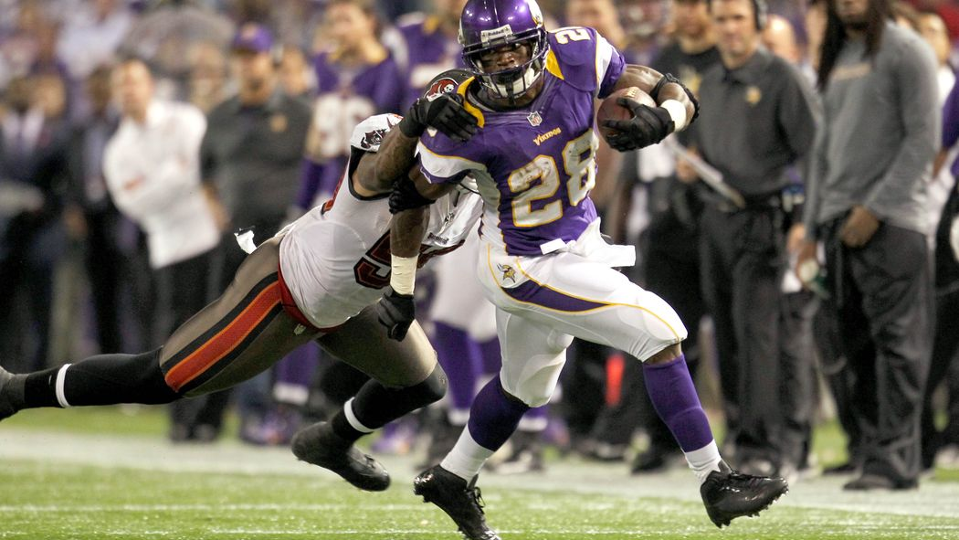 NFL Trade Rumors: Buccaneers reportedly trying for Adrian Peterson http://t.co/dfDEJLEqTj http://t.co/qBw6xPm4cI