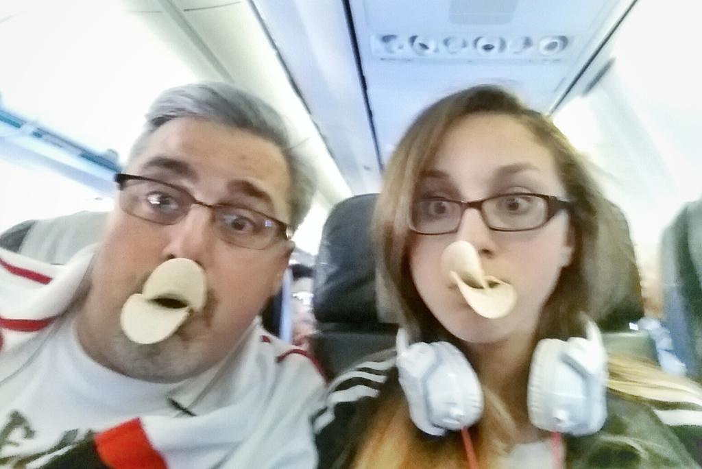 The only right way to take a duckface #selfie is with @Pringles http://t.co/Pjp6wGtxJq