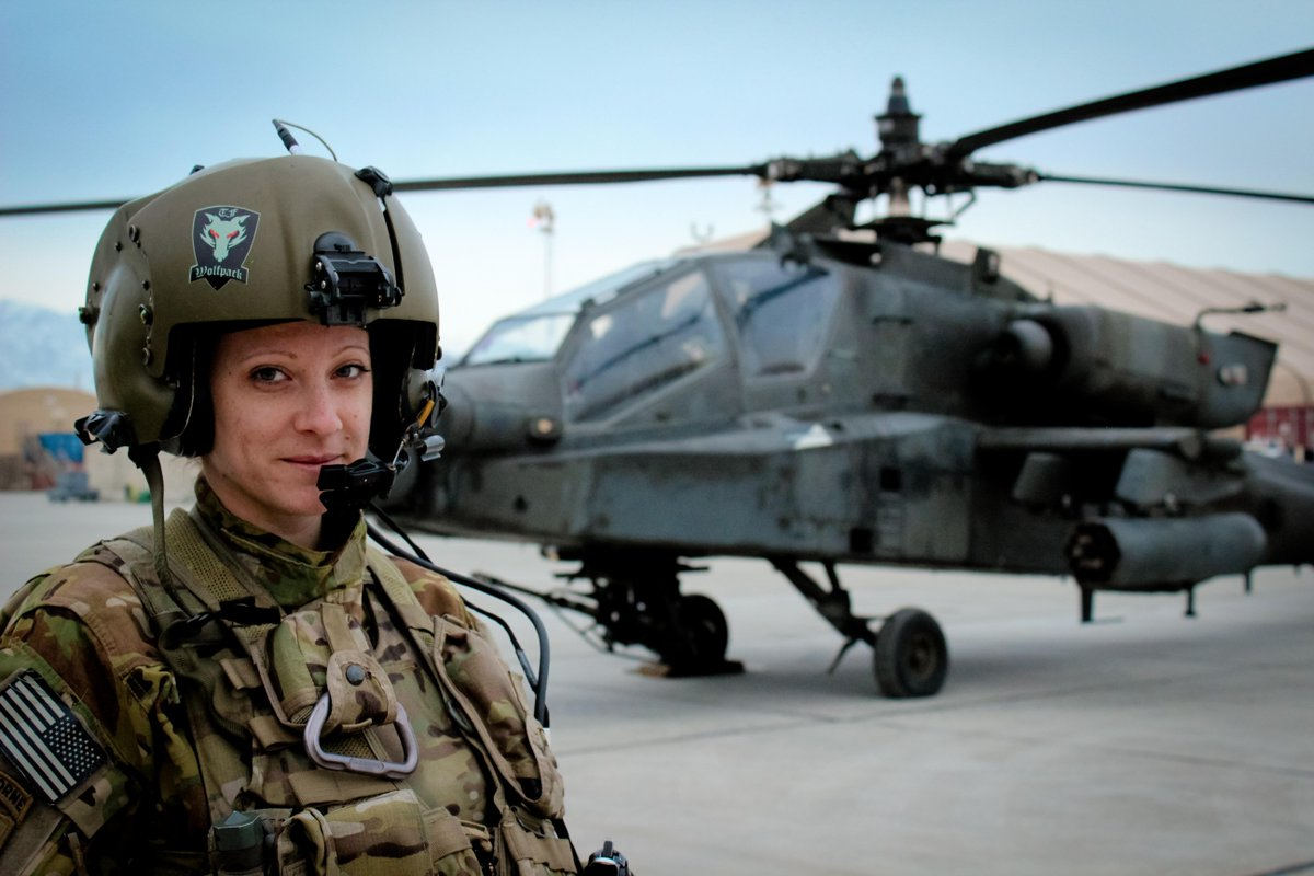 Read how CW2 Archambault makes strides in the @USArmy http://on.fb .me/1xgoqUi #MakeItHappen #WomensHistory #IWD2015 http://t.co/5FWBuLSIrG