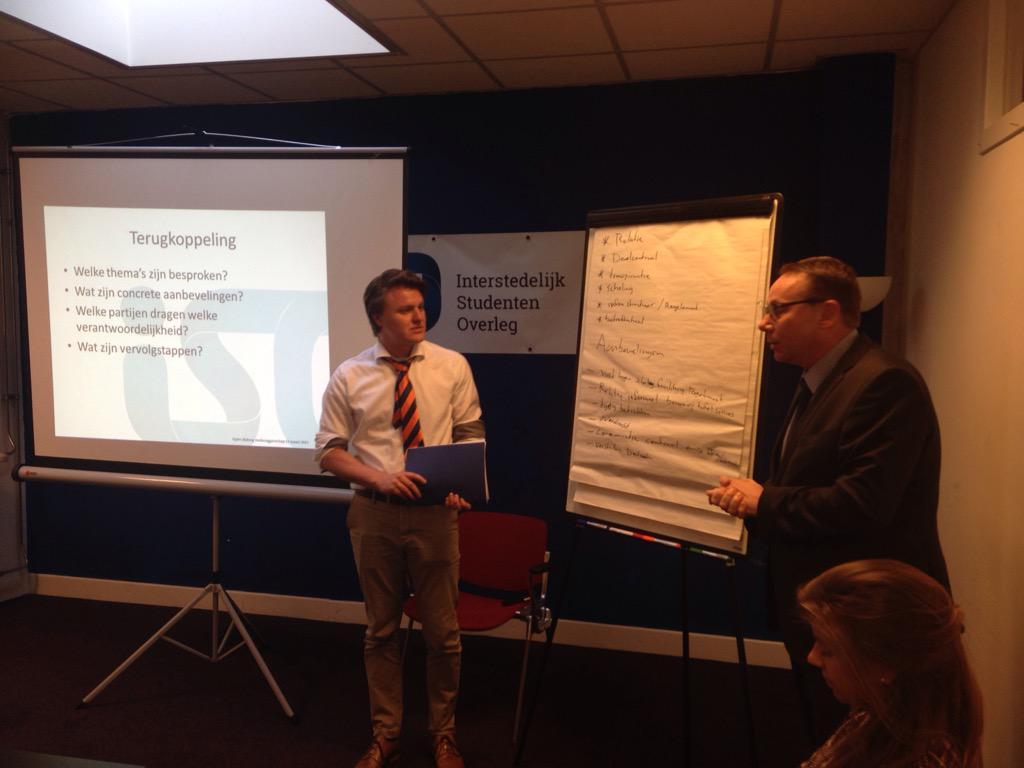 Medezeggenschapper @hanze en bestuurder @tudelft presenteren: transparantie, scholing & juiste infrastructuur nodig http://t.co/jYmB1FospM