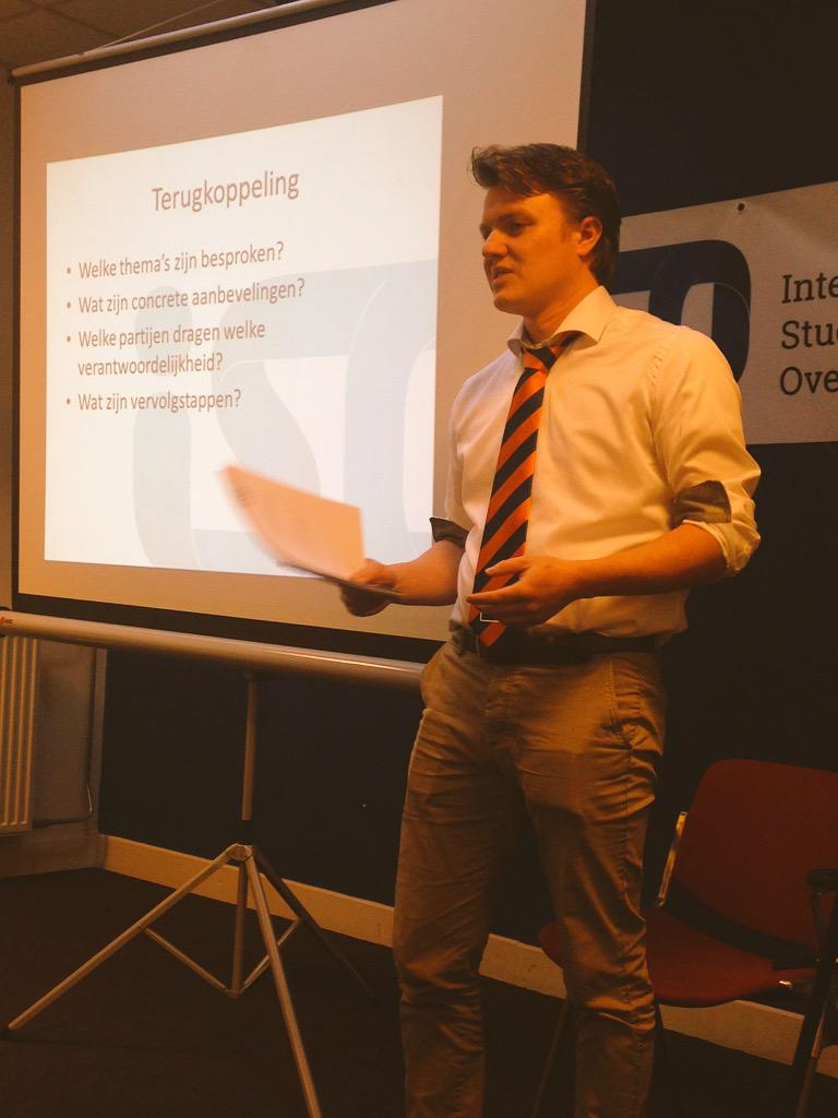 Joost @HSVgroningen: tijdig betrekken van groot belang. Wat tijdig is verschilt soms tussen CvB en medezeggenschap http://t.co/Vo77emFPOy