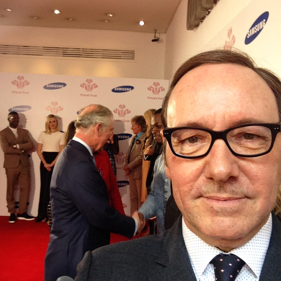 """RT @KevinSpacey: At The Prince's Trust Celebrate Success Awards. """"He's behind you""""! #CelebrateSuccess @PrincesTrust http://t.co/buT2R1gXY9"""