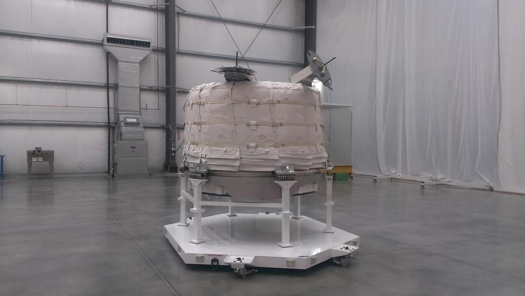Accord Bigelow - NASA pour l'ISS - Page 2 B_6k7qtVEAEJJyo