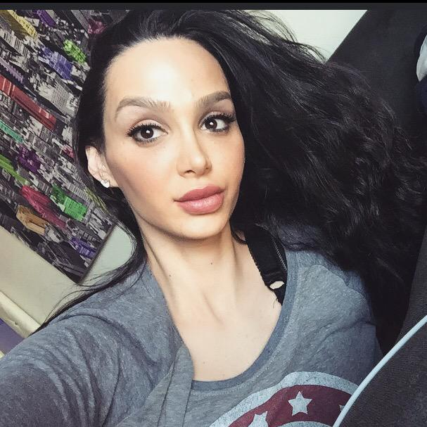 """Amy Anderssen On Twitter: """"Let's Send Each Other Nudes"""