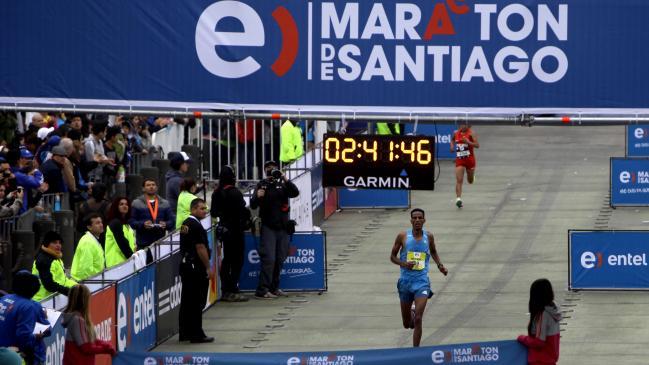 La Expo Running dará el puntapié inicial al @maratonsantiago http://t.co/tI2a3FPNT5 http://t.co/z86AcIfy3e