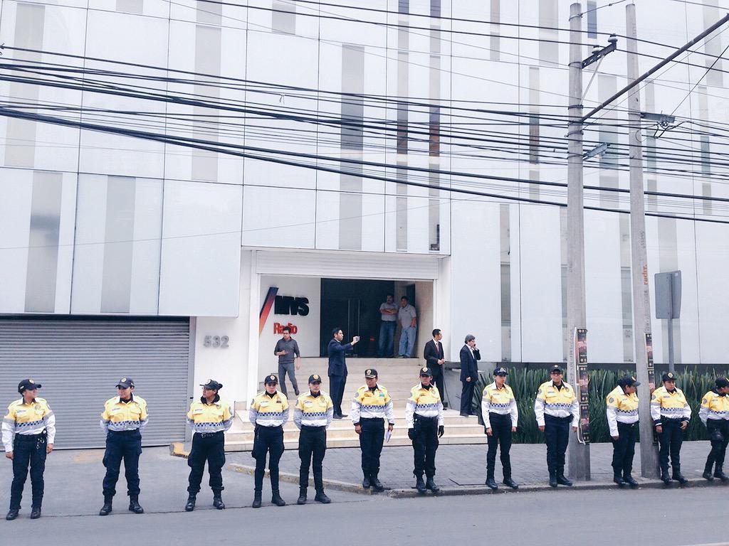 #MVS y Joaquín Vargas se alistan  #EndefensadeAristegui http://t.co/6Mu4Hy2m7H