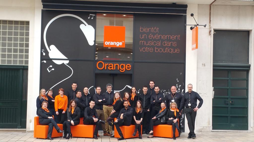 portron jean paul on twitter open la nouvelle boutique orange de tours rue nationale ouvre. Black Bedroom Furniture Sets. Home Design Ideas