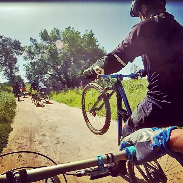 http://t.co/VkXoyyq90r #MTB_ActionShots Crew ride #dtmma at our local trail #santiagooaks #socal #weekendwarrior … http://t.co/kaSLXFhyK6