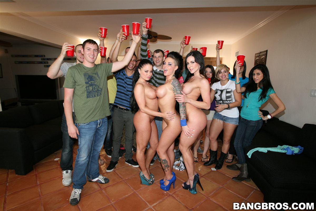 dorm room orgys College Dorm Party  Escalates Into A Full Blown Orgy.