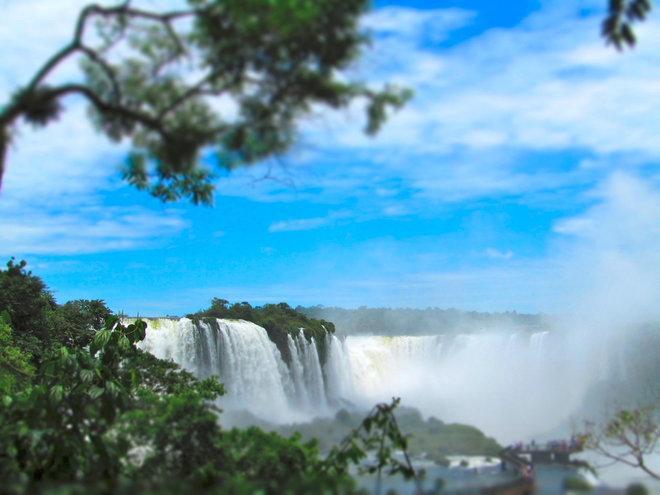 Poďte sa prejsť po Brazílii. Aspoň virtuálne :) Je nádherná. http://t.co/i1utTBjBMu #exotika #Brazília http://t.co/BQrcsxg8DW