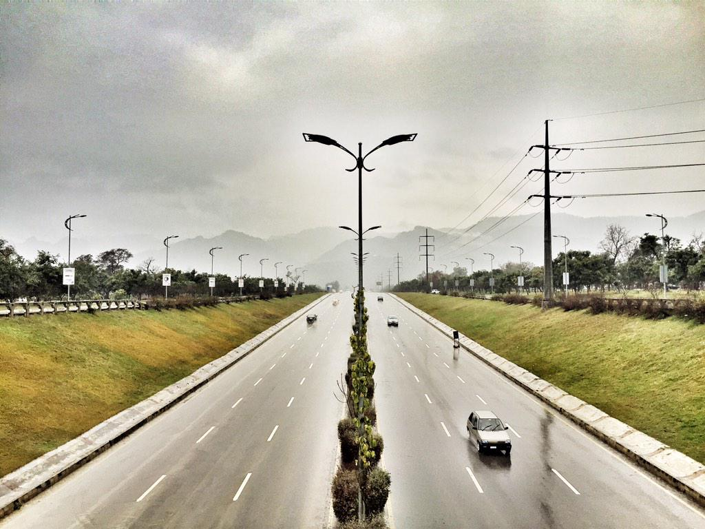 This is what Islamabad looks like right now and it's perfect. http://t.co/JXDoeRHCCM