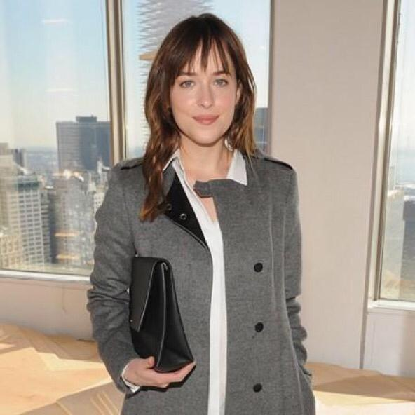 Dakota Johnson's outfit at the Hugo Boss show is inspiring our workwear wardrobe http://t.co/TeUkG5TrEb http://t.co/rylMsqy0ZI