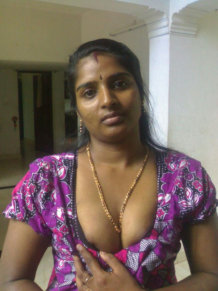 sexy fat naked aunties pics