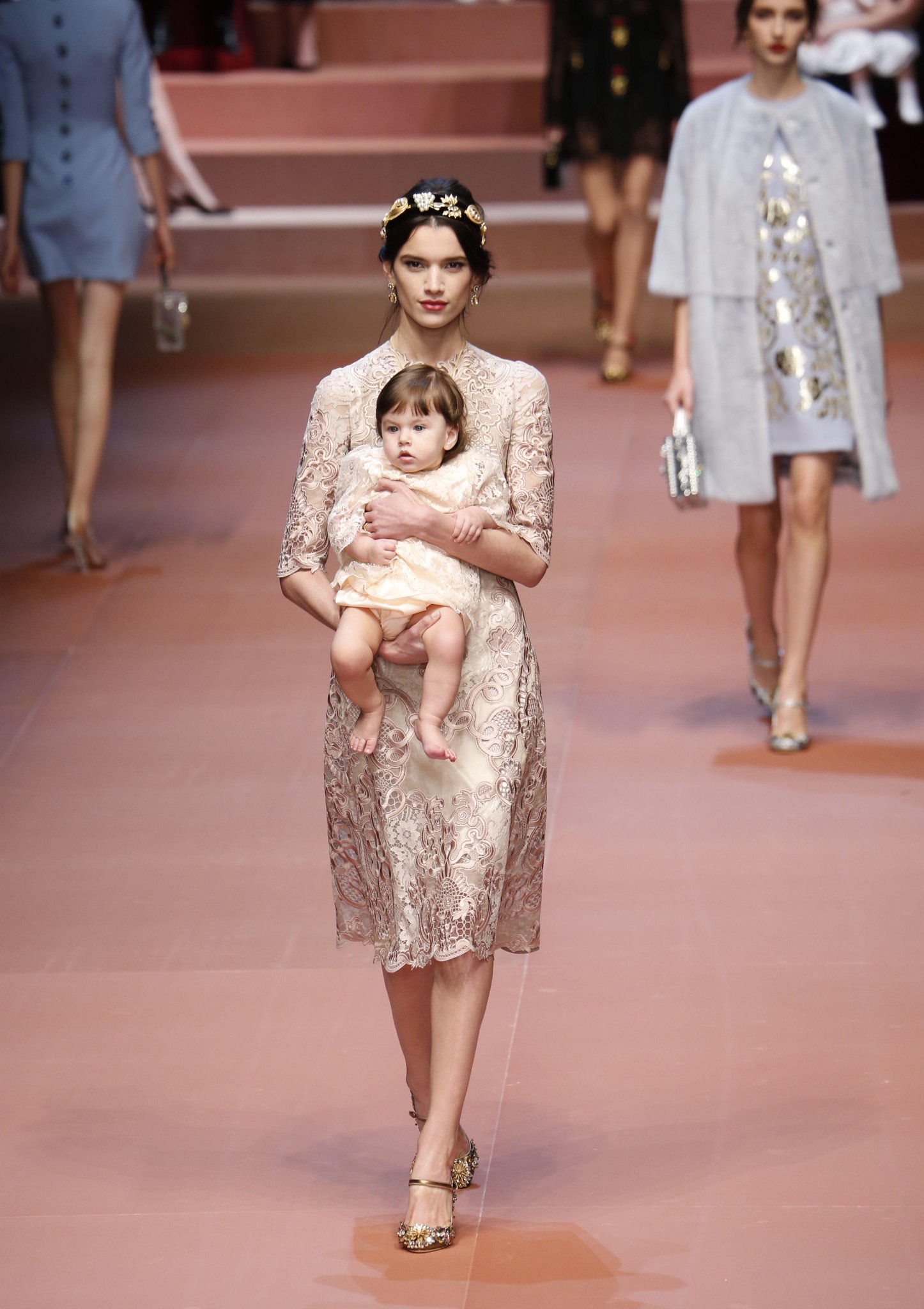 Is this the cutest catwalk collection EVER? http://t.co/mjWmKL6FGD http://t.co/ArtaRgTsLv