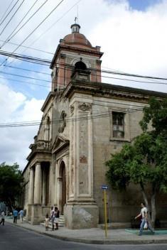 Sitiados miembros del MCL en Santiago de Cuba B_Cs1PYWwAAXlb5