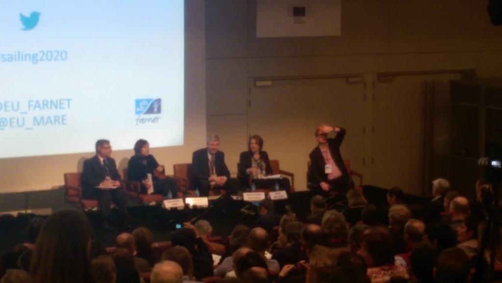 Q&A panel with @KarmenuVella MEP Renata Briano @eu2015lv  @EU_MARE @EU_FARNET #sailing2020 http://t.co/f8Fnh9zwoF