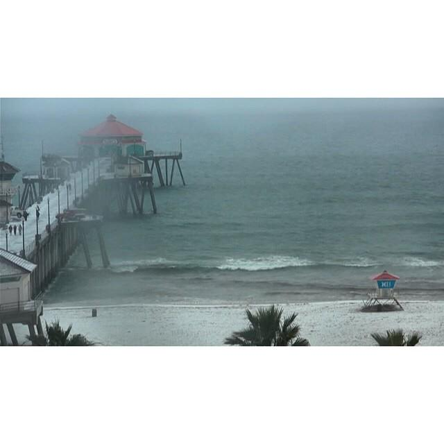 Just snowy HB, nbd. Check the view on our #HB Northside cam http://t.co/RLw48uyVq7 #SurflineCams #SurflineForecast http://t.co/sJGUoDiysR
