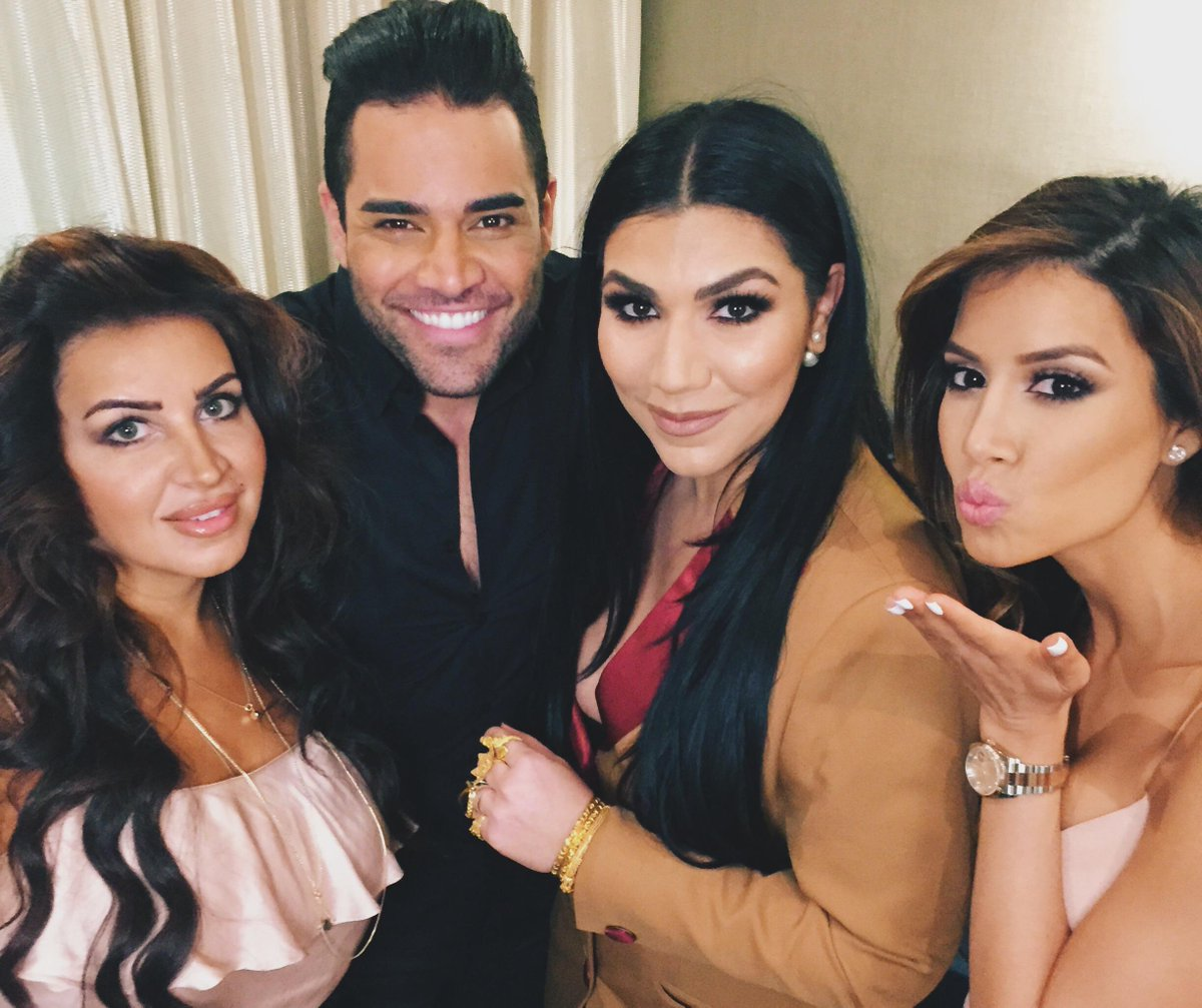The Shahs are BACK! #ShahsOfSunset Season 4 premieres TONIGHT — RT if you'll be watching with us! 10/9c on @Bravotv http://t.co/hbZstFrBbn