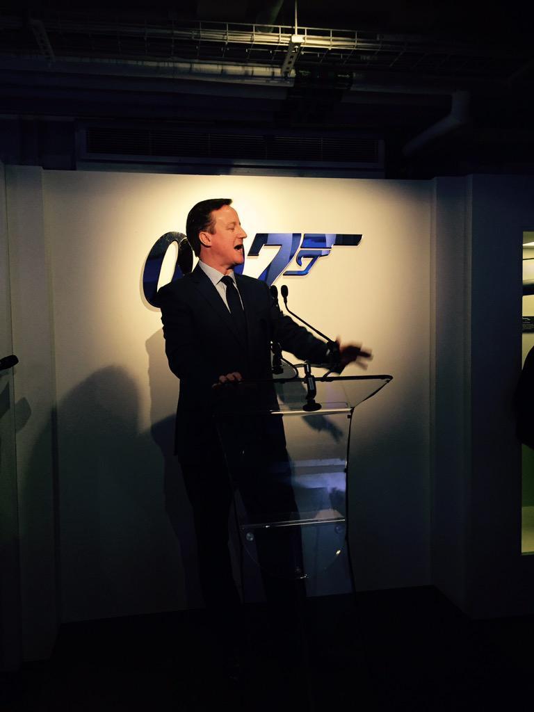 RT @NaraHodge: Ladies and gentlemen, let me present you the new James Bond- David Cameron! http://t.co/sDUMcYTYXX