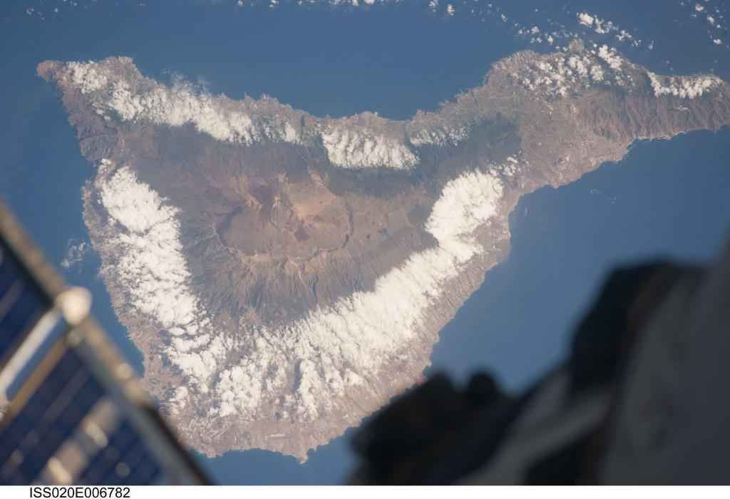 Tenerife desde la Estación Espacial Internacional (cc @Mar1e) http://t.co/pjiyzsmQZi