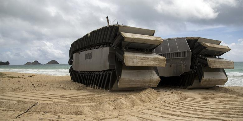 The US Marine Corp's New Amphibious Beach Assault Vehicle Looks Absolutely Insane http://t.co/n3hXvR0Mzh http://t.co/I4L2D2zX8k