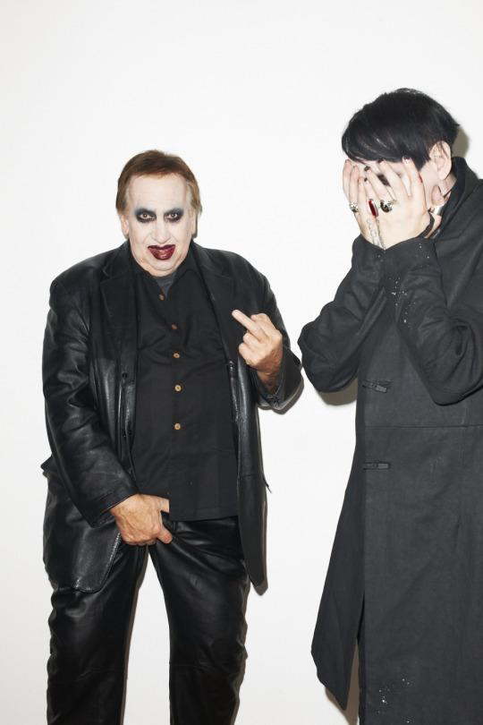 Photo of the Day: Marilyn Manson's dad surprised him by dressing up as him and interrupting his photo shoot. http://t.co/vSgR5HRqPD