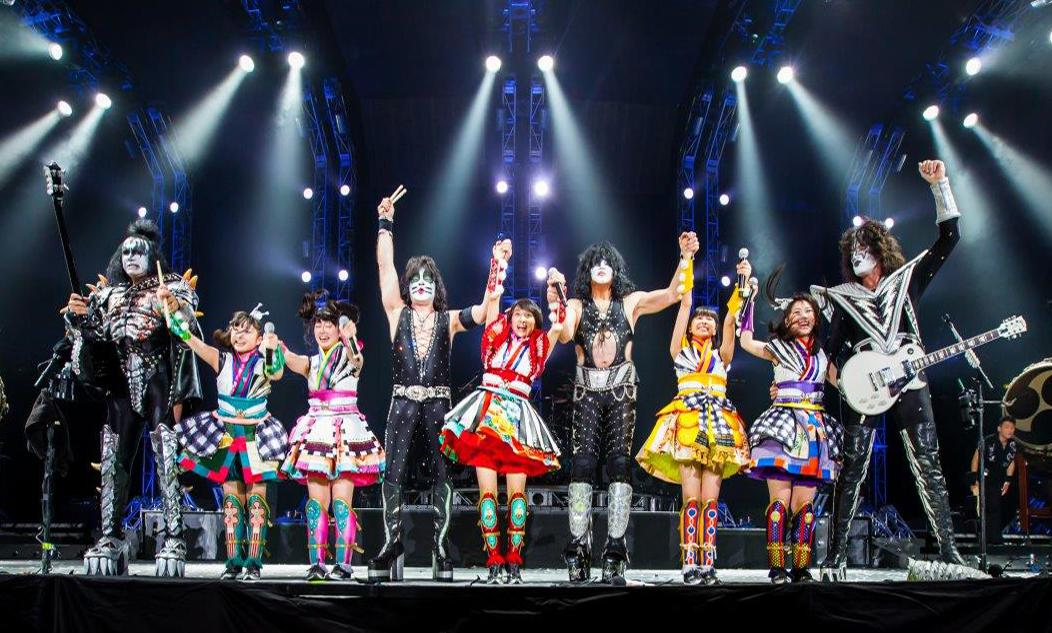 We had a great time performing with our friends #MomoiroCloverZ tonight at the Tokyo Dome! http://t.co/M3zv6o5W21