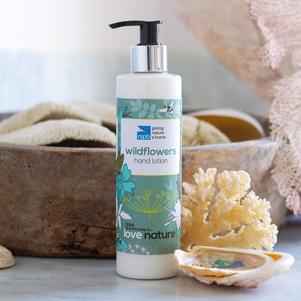 RT @Natures_Voice: In the run up to #mothersday get 20% off RSPB Love Nature Toiletries: http://t.co/jXVnB6Y0rQ http://t.co/4B798iGvlf
