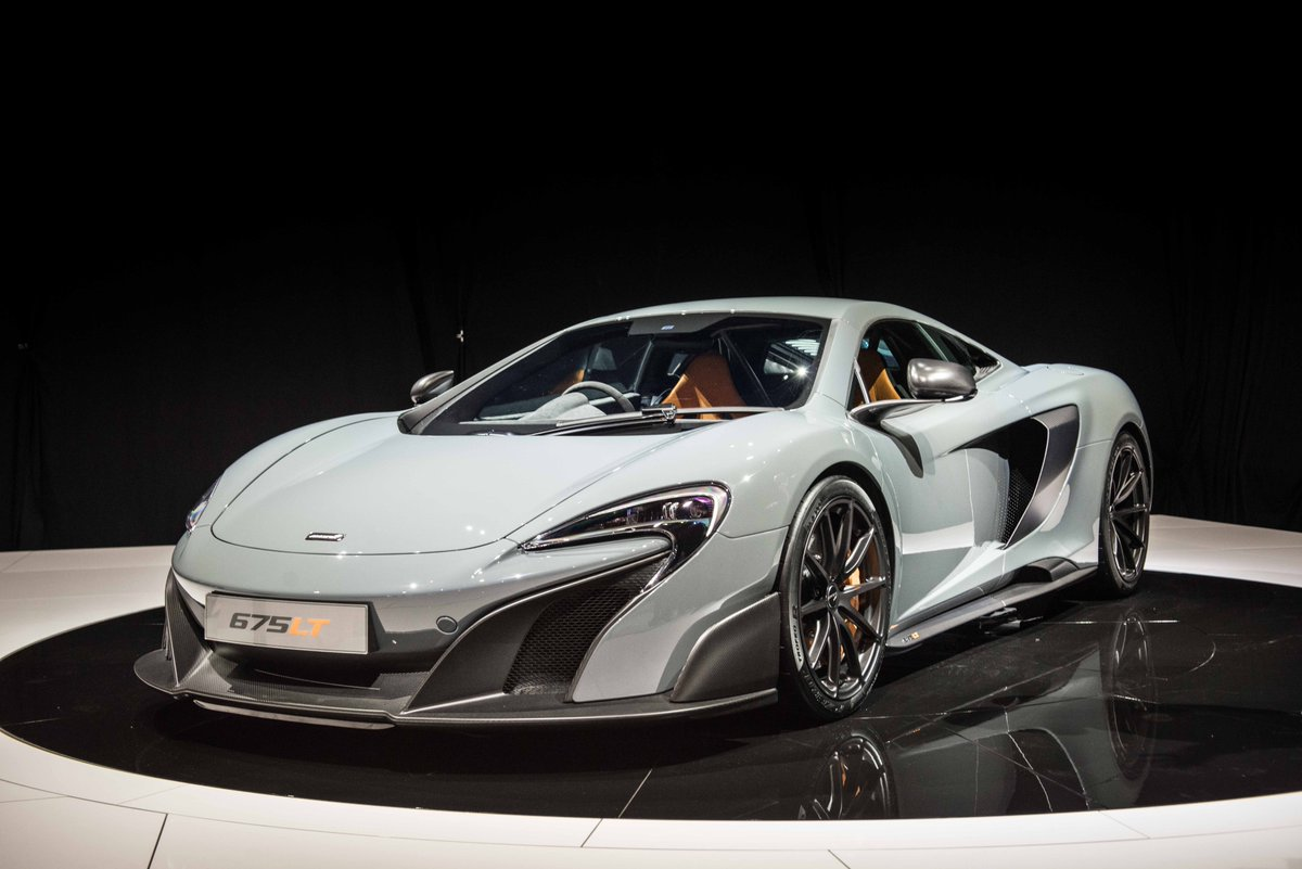The 675LT looks way better in the flesh. Some wonderfully nerdy details in it too. Prepare for FULL-ON BEARD MODE http://t.co/GQUsJNNBPD
