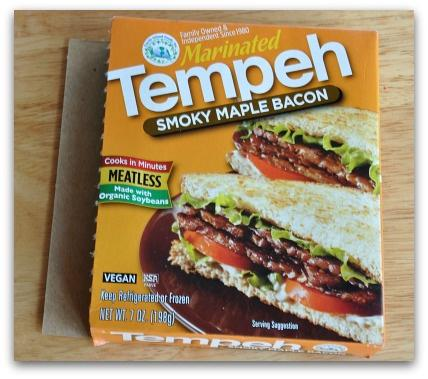 Just tried smoky maple bacon tempeh. Wow, it's fantastic!  (FYI I've gone vegan for about 4 months now) @Tofurky http://t.co/Vf2U08KvuO