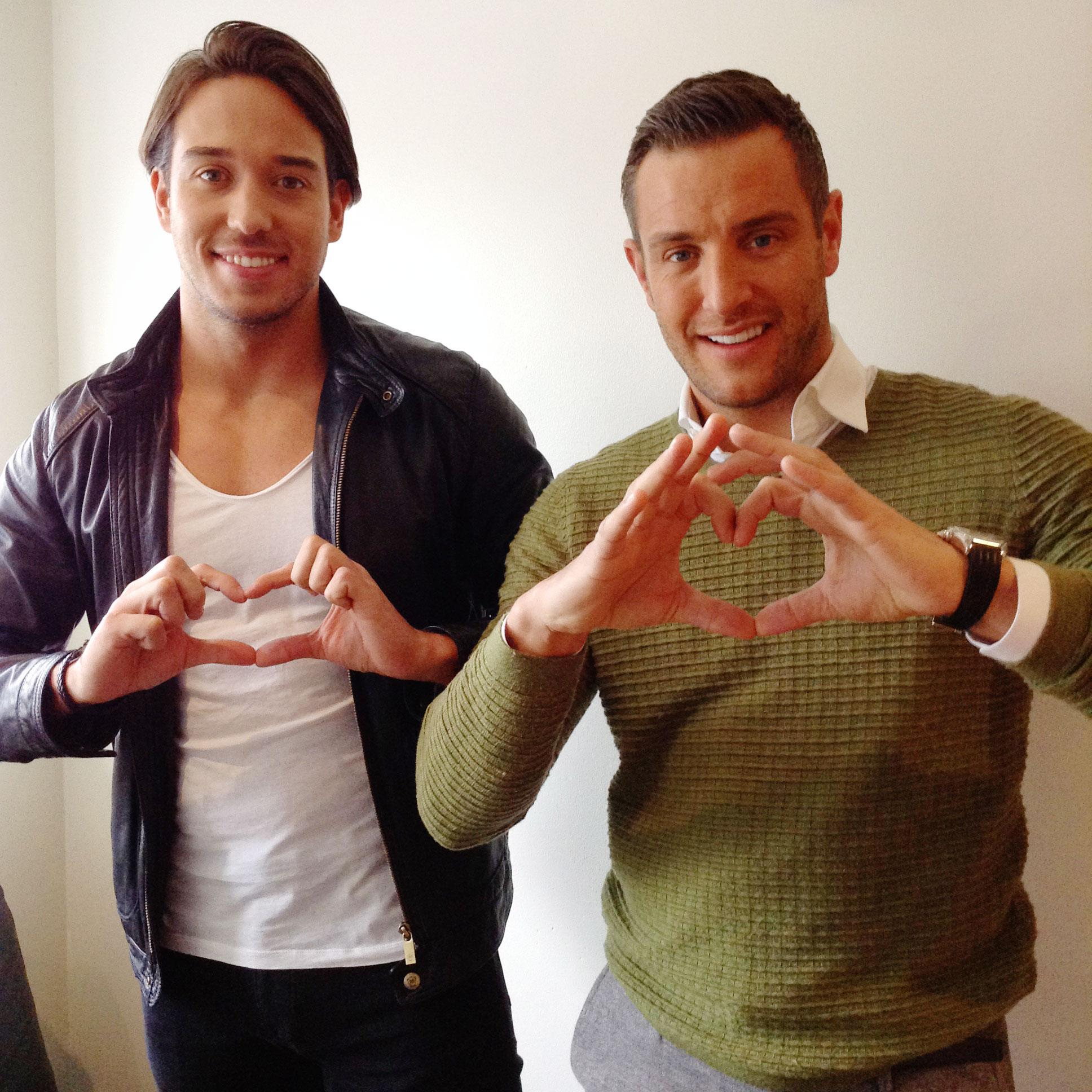 RT @ITVBe: We love Wednesdays 'cause it's #TOWIE day! 12 hours and counting - excited, @JamesLockie86 and @elliottwright_? http://t.co/VAl3…