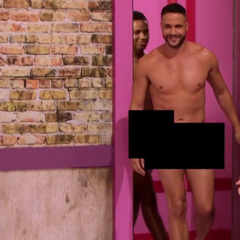 Sophie howard fully naked