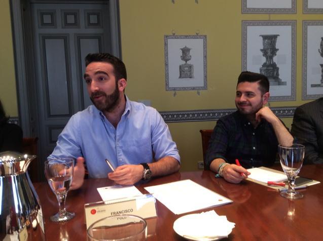 @franciscopolo y @medir: Internet y el círculo virtuoso del cambio social. En #elcanotalks @rielcano @change_es http://t.co/9njv6hwDBg