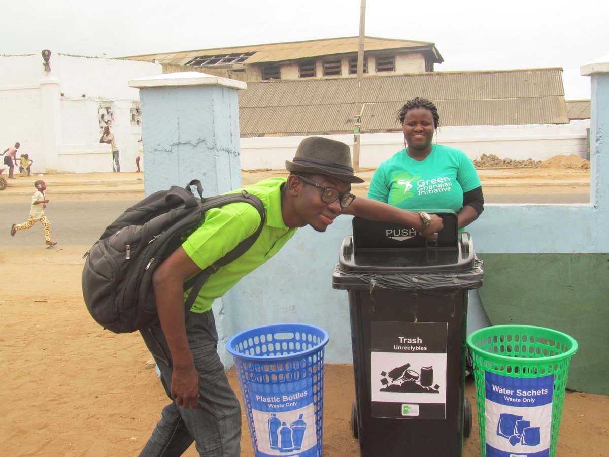 If you want people to stay in Ghana & work, create jobs. If you want Ghanaians to stop littering, give them bins! http://t.co/xrfRN7ktJr