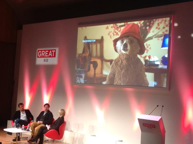 .@paddingtonbear Paul King - books didn't have movie narrative - took 3 years to produce a script #GREATFestivals http://t.co/klo3vrf2K2