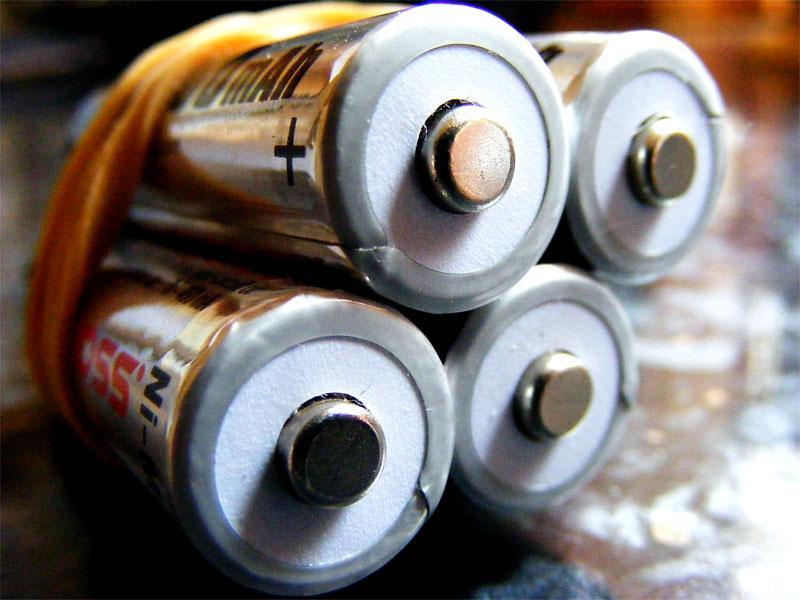 Why Tesla's battery for your home should terrify utilities http://t.co/Dg3Zb2DOKl via @miketeasdale http://t.co/42JMEKO7z5