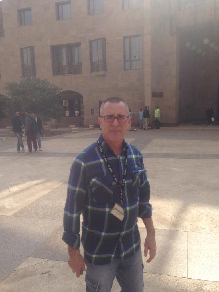 "Troy Headrick, a RHET Department Professor, explained social media as ""allowing people to connect.""#JRMC2202#JRLWeb http://t.co/Q9pPny9HAM"