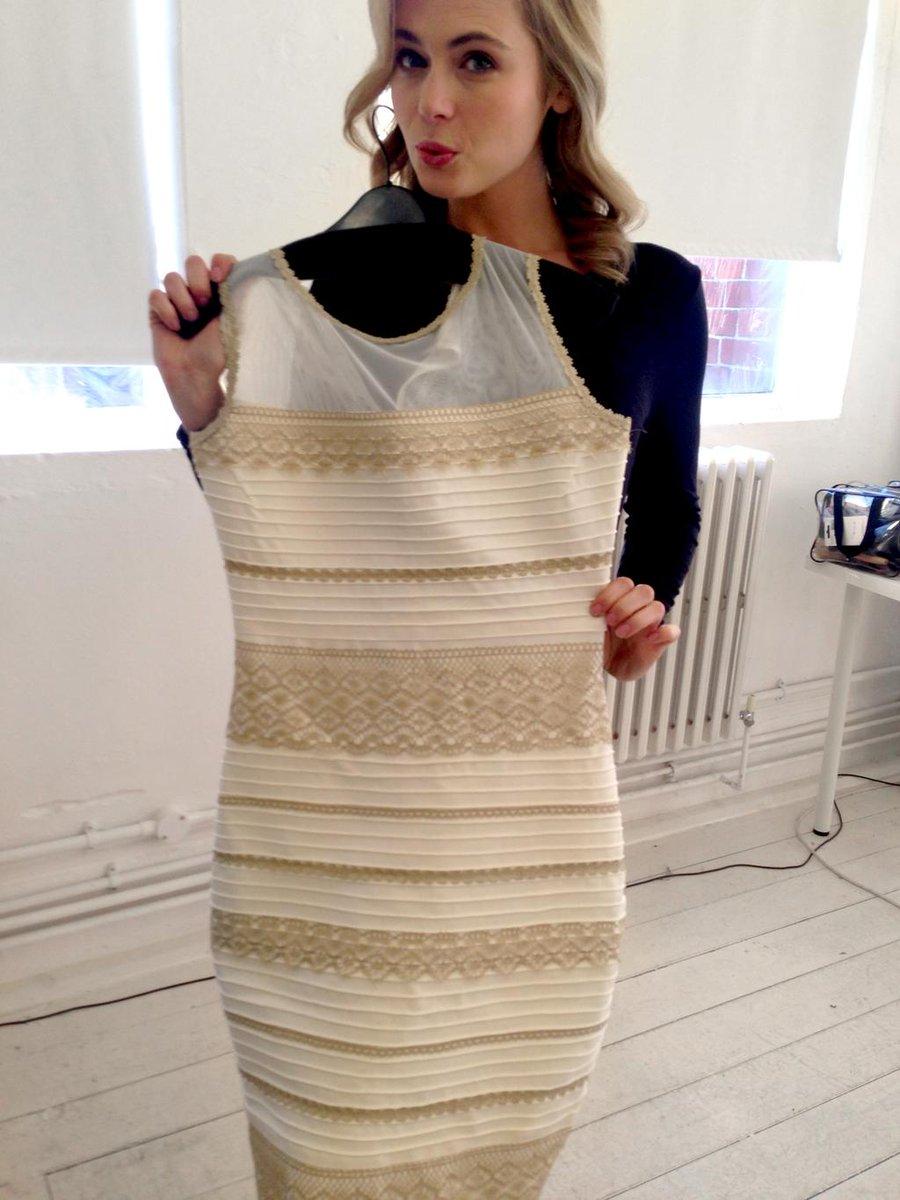 какого цвета платье оригинал фото ситуация