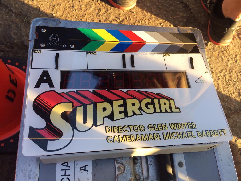 [SUPERPOST] Supergirl -- El 26 de Octubre creerás que una mujer puede volar --  B_QwICVVAAAK649