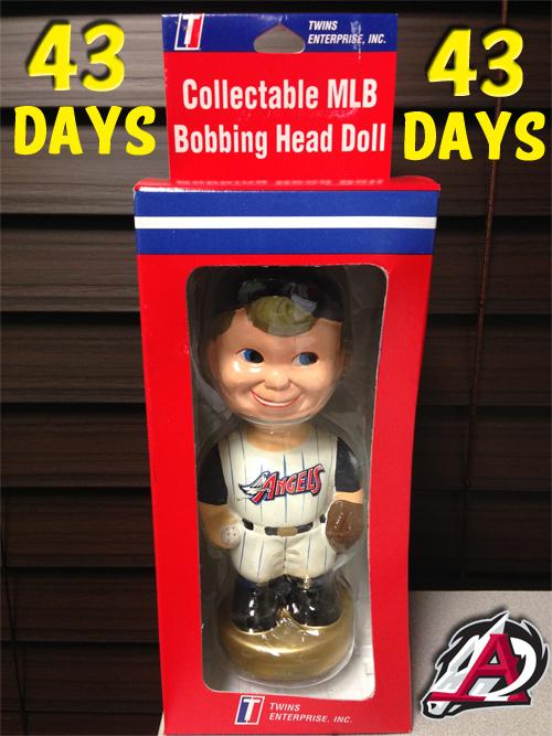 Anyone interested in a sweet old-school #Angels bobblehead? Retweet by 3pm CT & we'll pick a random winner! #ARTravs http://t.co/vw3wtnyNbQ